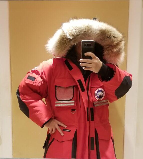1ecae9d00e92 ... usa brand new hologram tag red canada goose snow mantra men large parka  jacket b6026 8e142