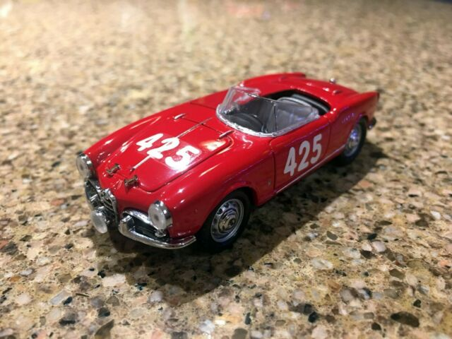 Alfa Romeo Giulietta Sprint Bleue Navy Detail Cars 1//43