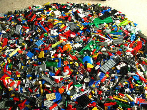 300 lbs pounds LEGO bulk lot w minifigs. Star Wars etc.Smaller lots for sale too