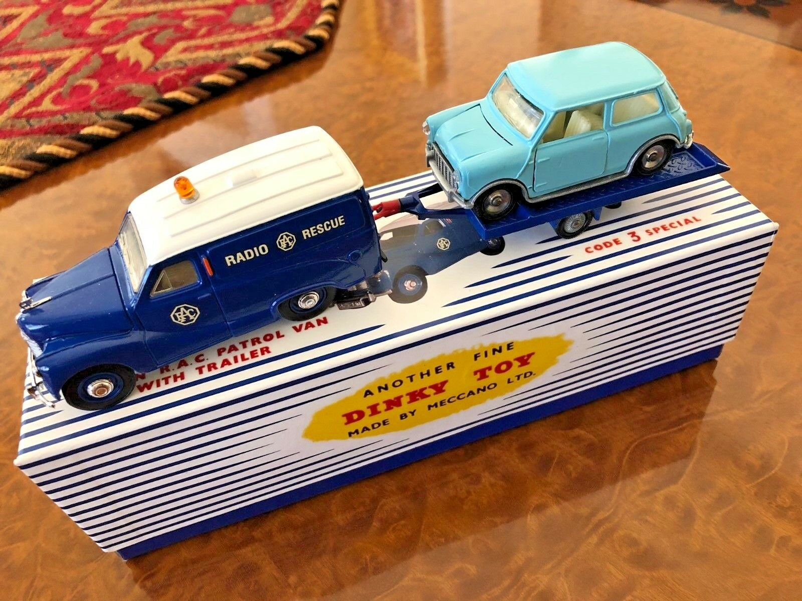 Vintage Dinky Toys GIFT SET Austin RAC Van + Trailer & Mini Minor   470 - M