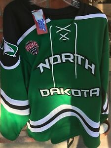 new product 5a5be 036b6 Details about UND University of North Dakota Fighting Hawks Hockey K 1  Green Medium Jersey New