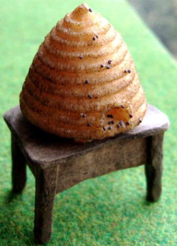 Casa De Muñecas-Bee Skep en Stand-escala 12th