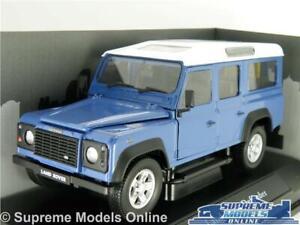 Land Rover Defender 110 5 puertas azul con techo blanca 1//24 Cararama modelo coche