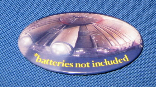 "*BATTERIES NOT INCLUDED Movie Promo 2.75/"" Oval Pin Pinback batteries 1987"