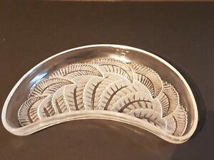 Rene-Lalique-Coupe-034-fougere-034-en-Verre-vase-Art-Deco-Signee