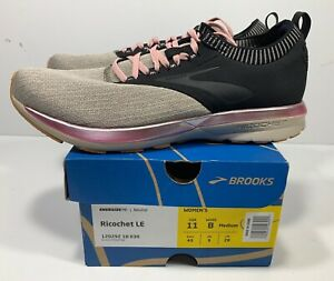 Running Shoes 120292 1B 030 SIZE