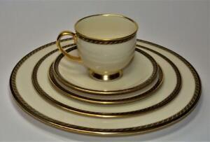 LENOX-Fine-Porcelain-Made-USA-PRESIDENTIAL-TYLER-Pattern-5-PC-Place-Settings