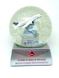 Delta-Airlines-Flight-Attendants-75-Years-of-Service-Snow-Globe-Original-MIB