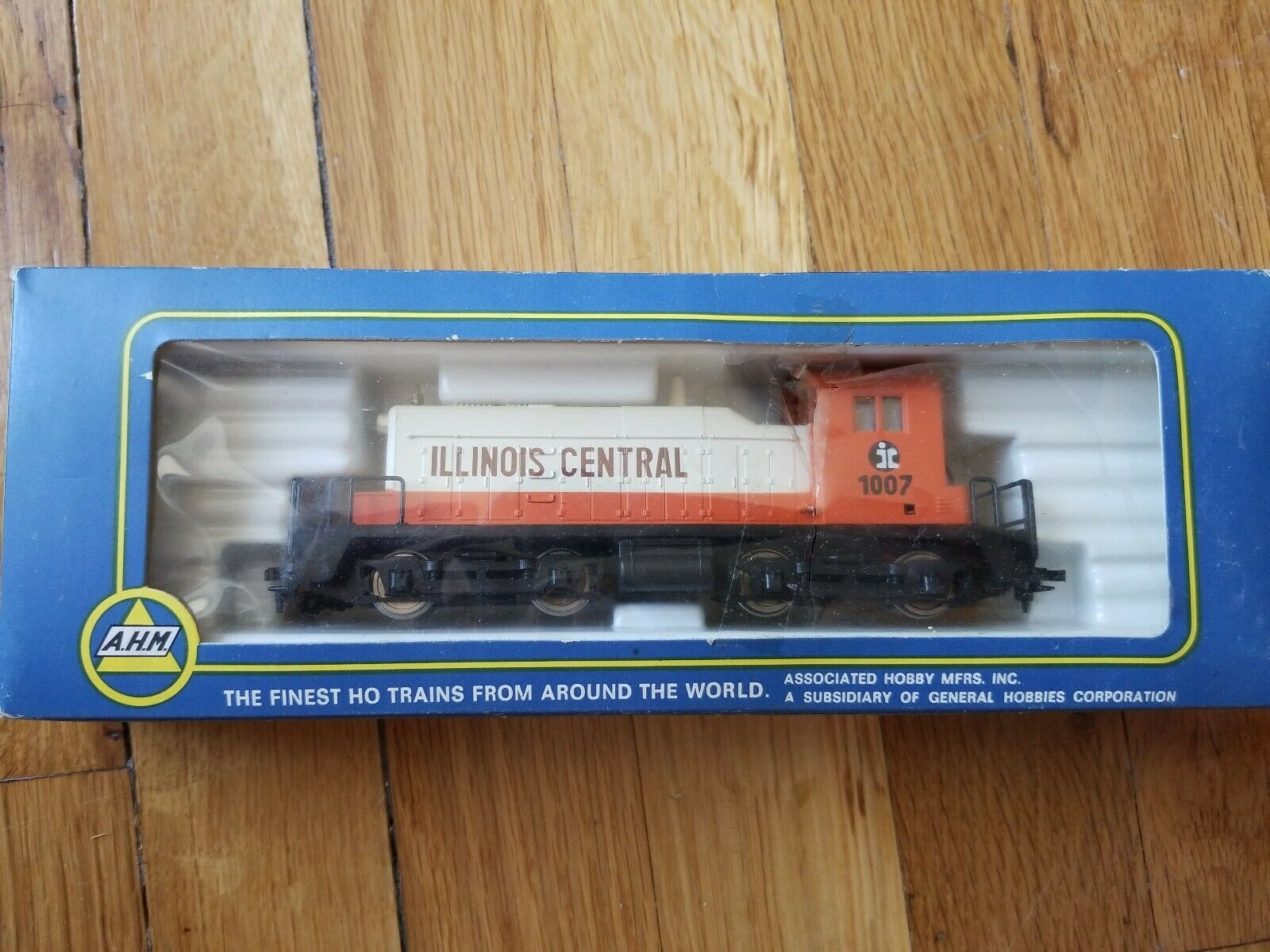 A.H.M Illinois Central 1007 Train