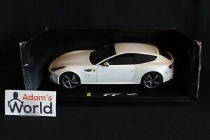 Hot-Wheels-Elite-Ferrari-FF-1-18-pearl-white-PJBB