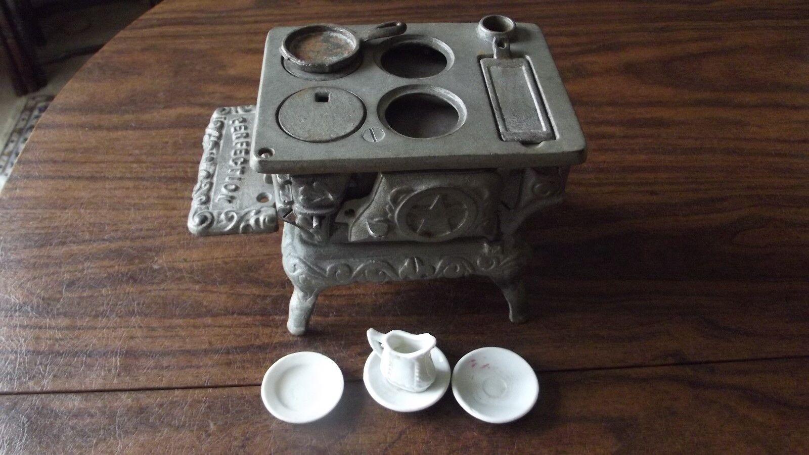 Antigua Estufa De Hierro Fundido juguete de miniatura de la perfección, vendedor muestra