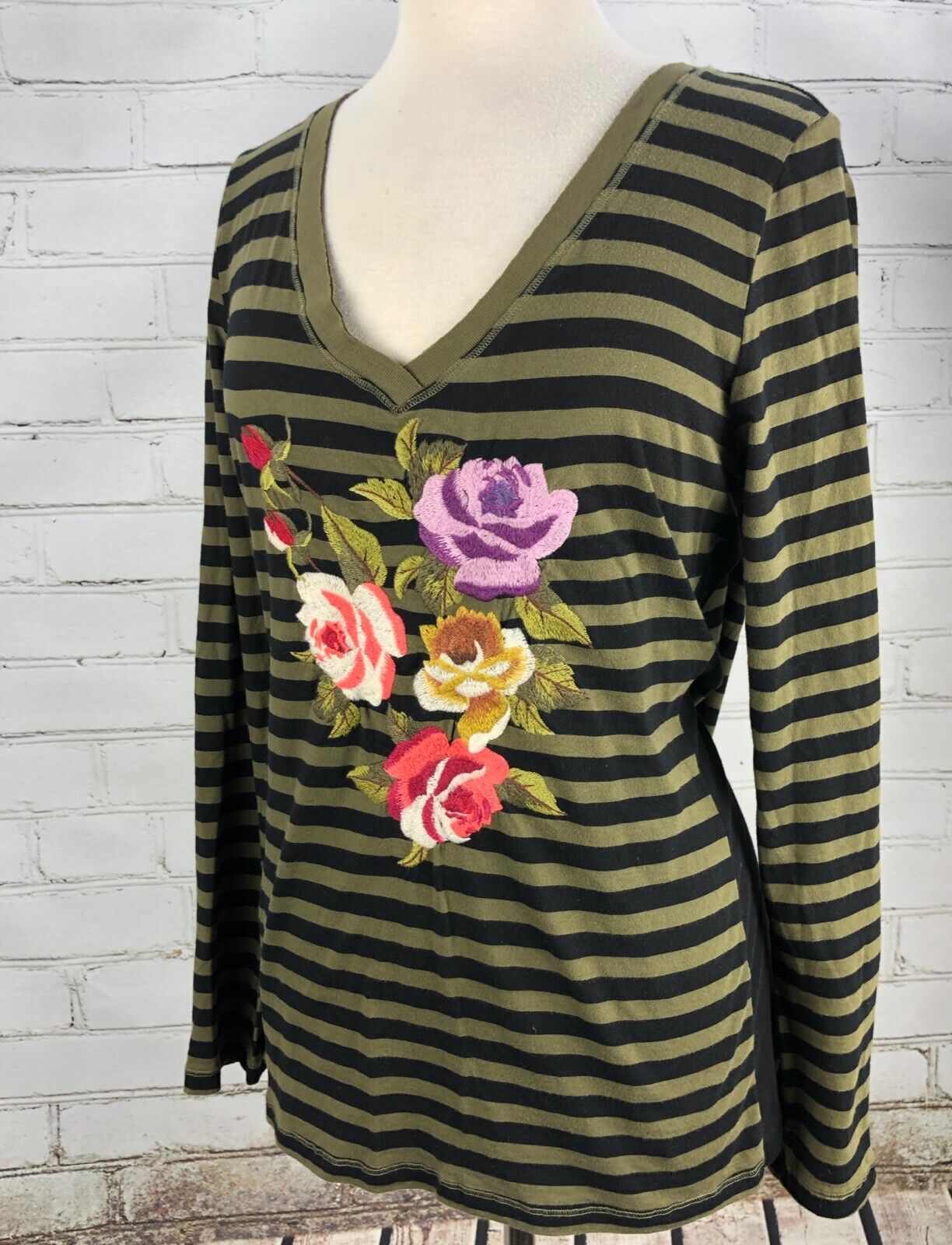 Johnny Was JWLA Embroiderot T- Shirt Long Sleeve Striped Rosa Flowers Größe M