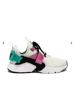 NIKE WOMENS NIKE AIR HUARACHE CITY LOW Sneakers shoes PLATINUM TINT BLACK Sz 7.5
