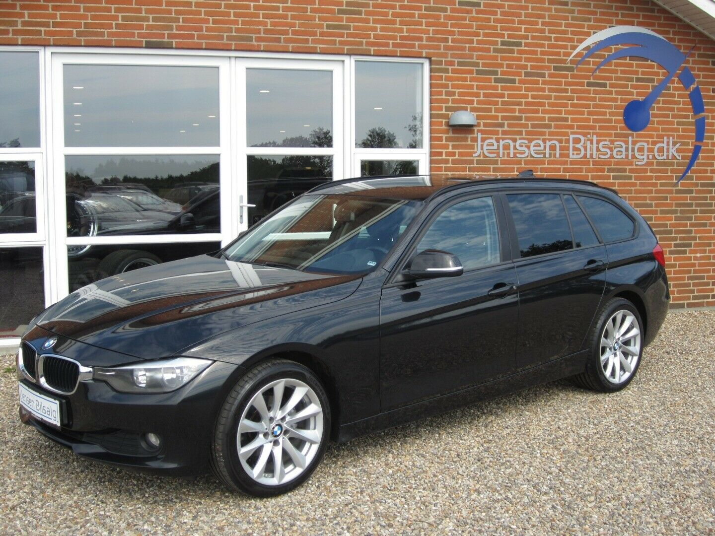 BMW 318d 2,0 Touring 5d - 129.900 kr.
