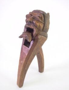 alter-Nussknacker-um-1900-Erzgebirge-oder-Brienz-Schweiz-Holz-geschnitzt