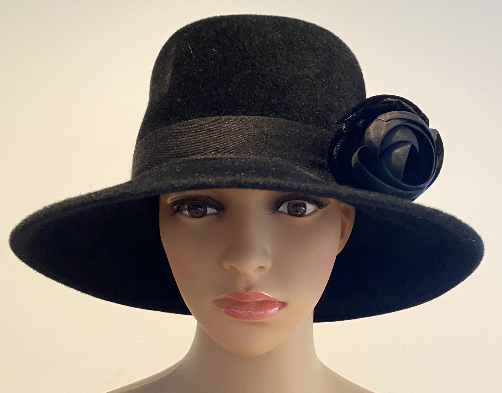 PATRICIA UNDERWOOD Black velour hat with rose  - image 1