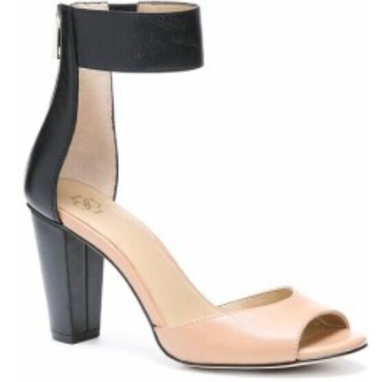 New with Box Ann Taylor Sadie Leder Stacked Heel Sandale Größe 5