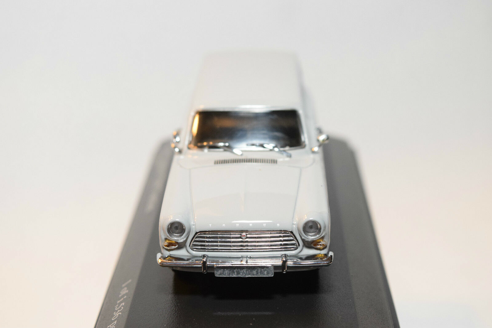 . MINICHAMPS FORD TAUNUS 12M 12 12 12 M BREAK TURNIER 1962 GREY MINT BOXED 8ff1ba
