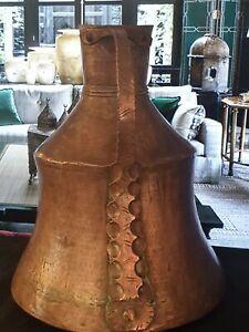 Ancienne Grande Cruche De Bain En Cuivre Martelé Belle ouvragée XIXème   XXème ?