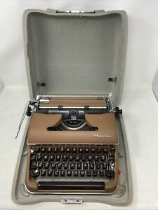 Vintage Olympia De Luxe Brown Portable Manual Typewriter With Case Key  Germany