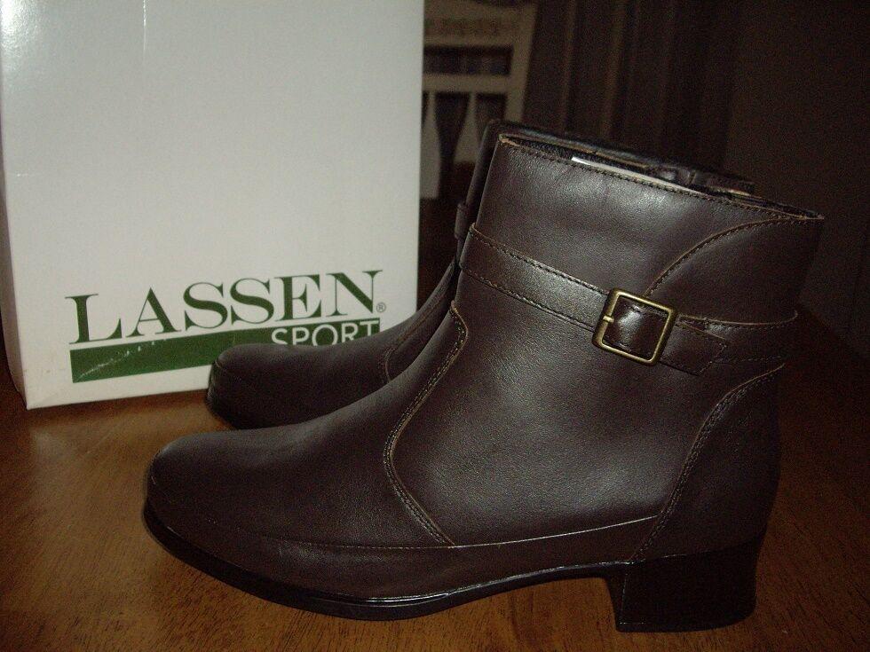 NIB Womens Size 41 10.5W Lassen Sport Megan Dark Brown Leather Short Boots shoes