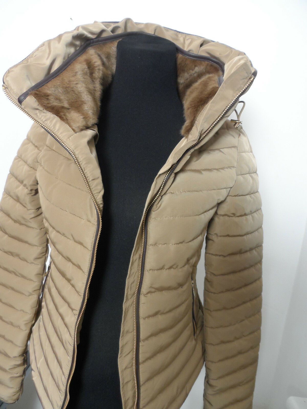ZARA QUILTED ANORAK WITH FAUX FUR COLLAR Size XS