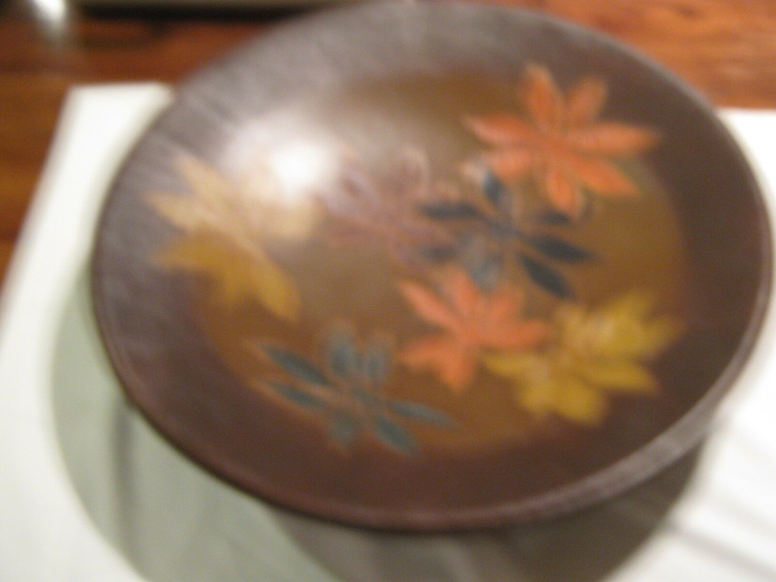 DECORATIVE PLATTER DESIGNED WITH COLORFUL LEAVES (WITH