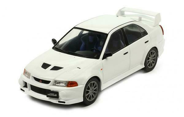 IXO Models MITSUBISHI Lancer RS Evolution VI 1 18 18CMC013