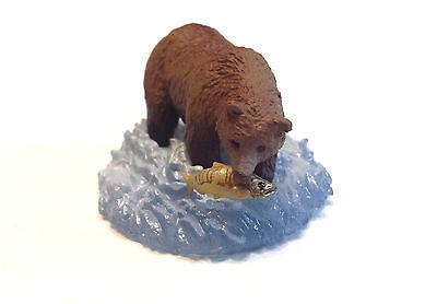 RARE Kaiyodo Hokkaido Exclusive Brown Grizzly Bear Eating Salmon Fish Figure