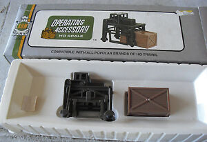 Vintage HO Scale AHM Operating Accessory Ammo Carrier in Box