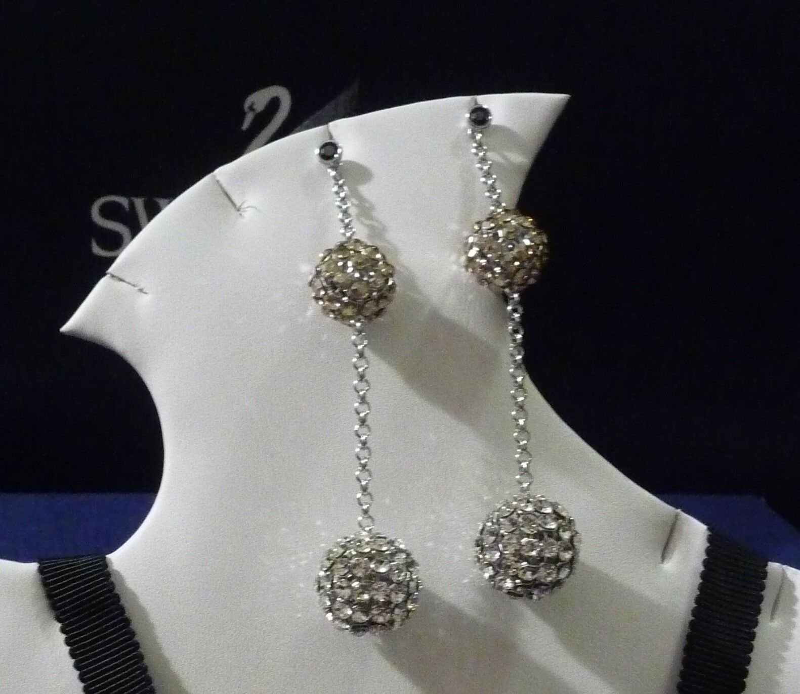 Swarovski Pin Up Pierced Earrings gold Crystal Jewelry - 1110469 - NIB - Retired