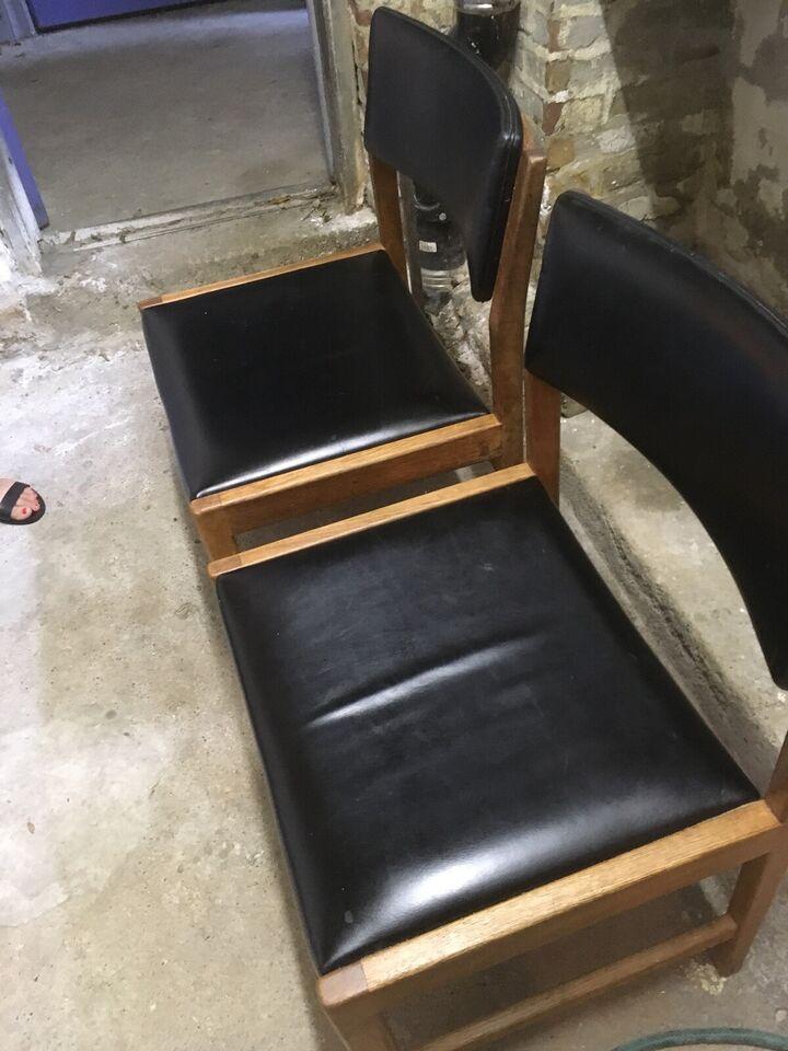 Anden arkitekt, Erik Østergaard, 2 stole
