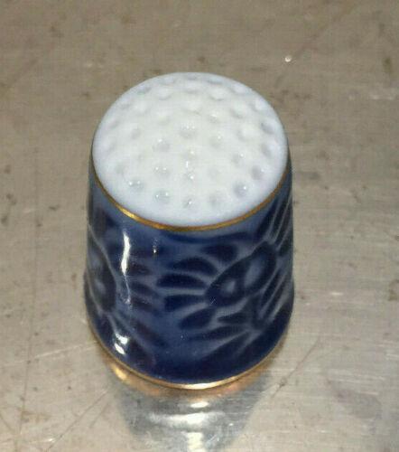 Vintage B/&G Bing /& Grondahl Copenhagen Porcelain Sewing Gift Thimble /& Box 1979