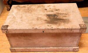 EARLY-1900s-LARGISH-WOODEN-TRADEMANS-CARPENTERS-TOOL-TRUNK-BOX