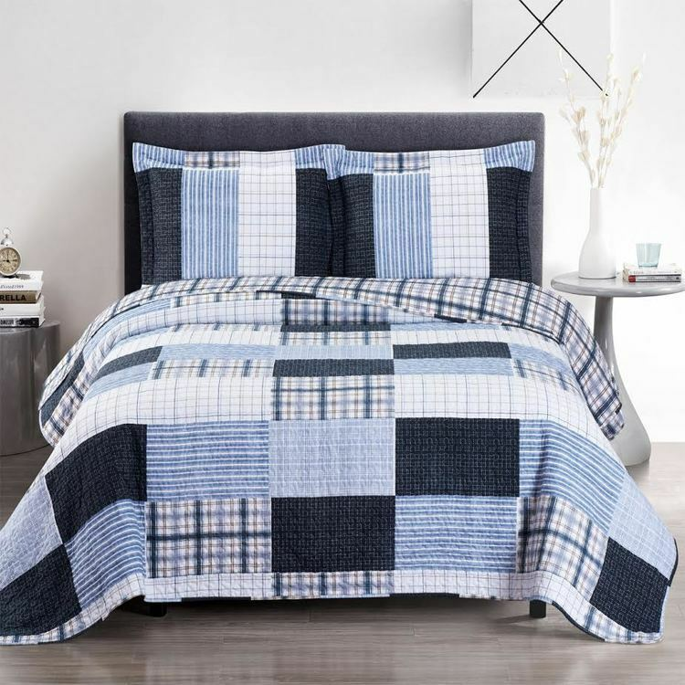 Contemporary Zoe Reversible Blau Printed Patchwork Hypoallergenic Bed Quilt Set