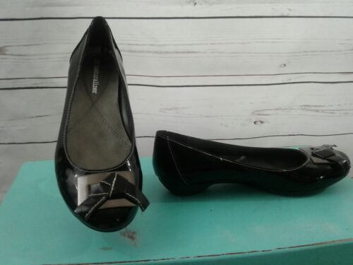 Women's Naturalizer Black Patent Leather Flats Siz