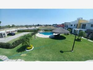 Casa en Venta en Condominio Nuevo en Cocoyoc Morelos, Amplia y Bonita en Excelente Zona