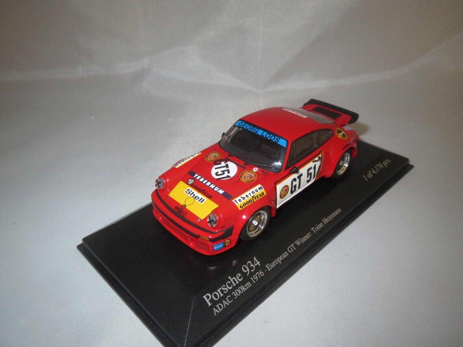Minichamps Porsche 934 (ADAC 300 HM 1976)  T. Hezemans  gt51  1 43 en vitrine