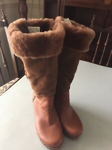 UGG Calf Clog Sheepskin Boots Suede Leather  Size 4.5 UK Worn Once