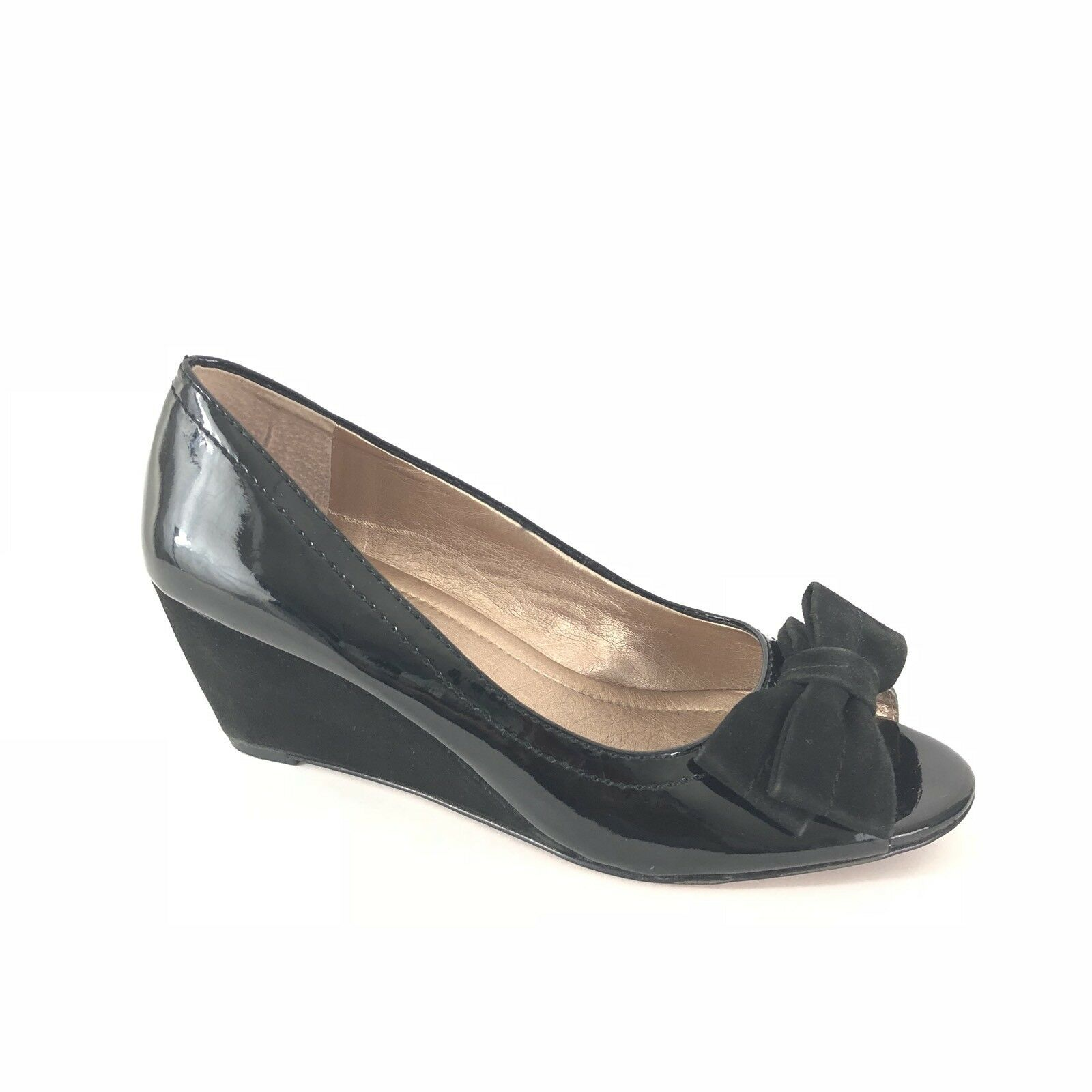 BCBGeneration Heel Women's Size 7 Black Patent Leather Suede Heel BCBGeneration Bow Open Toe Wedges c2da60