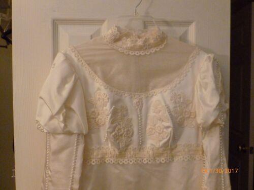 Puffed long sleeve vintage satin wedding dress siz