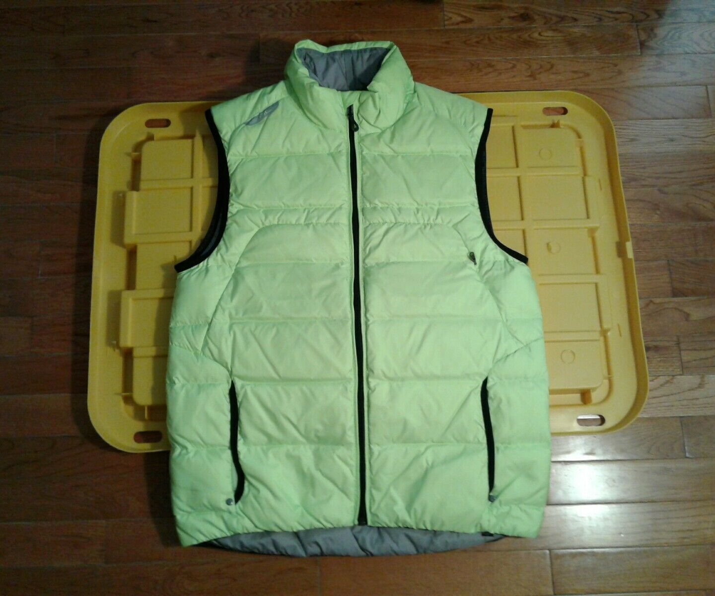NWT RLX Ralph Lauren Men's Down Lightweight  Vest Neon Rescue Green Size   M