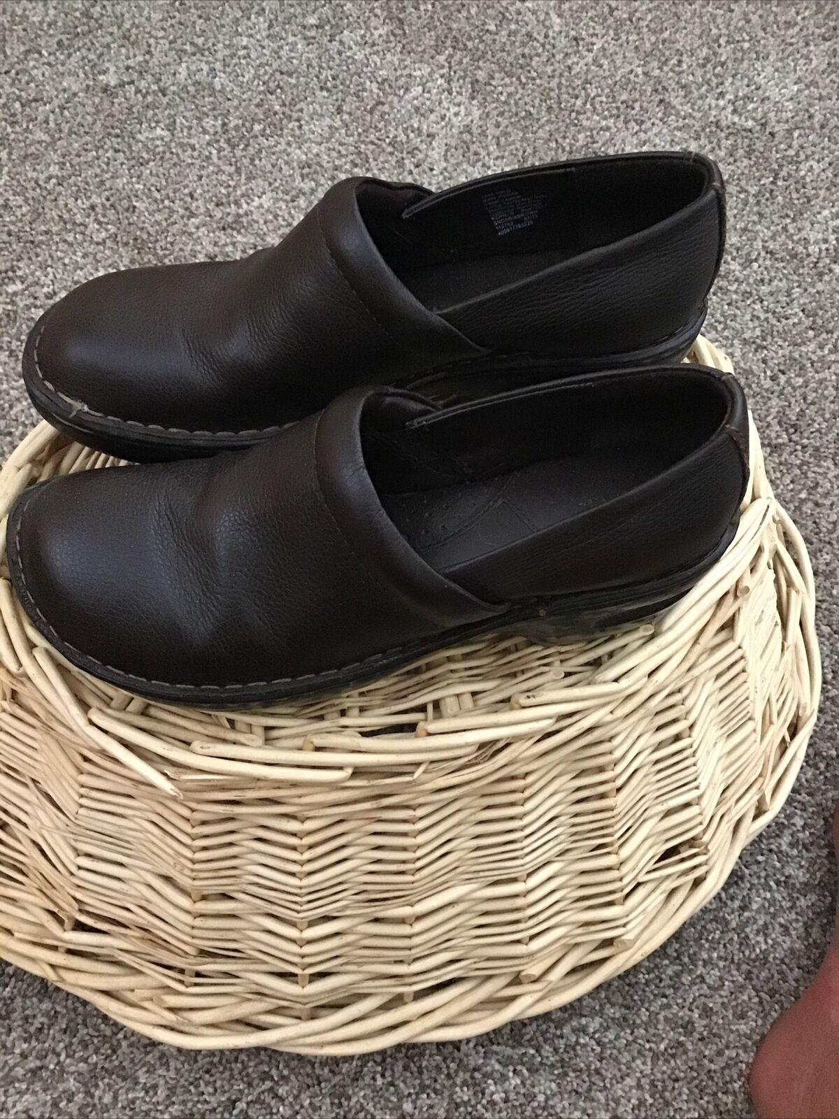 Sonoma Brown Leather Uppers Clogs Slip On Work Shoes Women Size 9 EUC