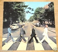 GEORGE MARTIN HAND SIGNED THE BEATLES ABBEY ROAD CD SLEEVE BOOKLET UACC DEALER