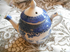 Vintage Booths Teapot Lowestoft Deer Silicon China Blue White Antique Numbered Pottery & Glass