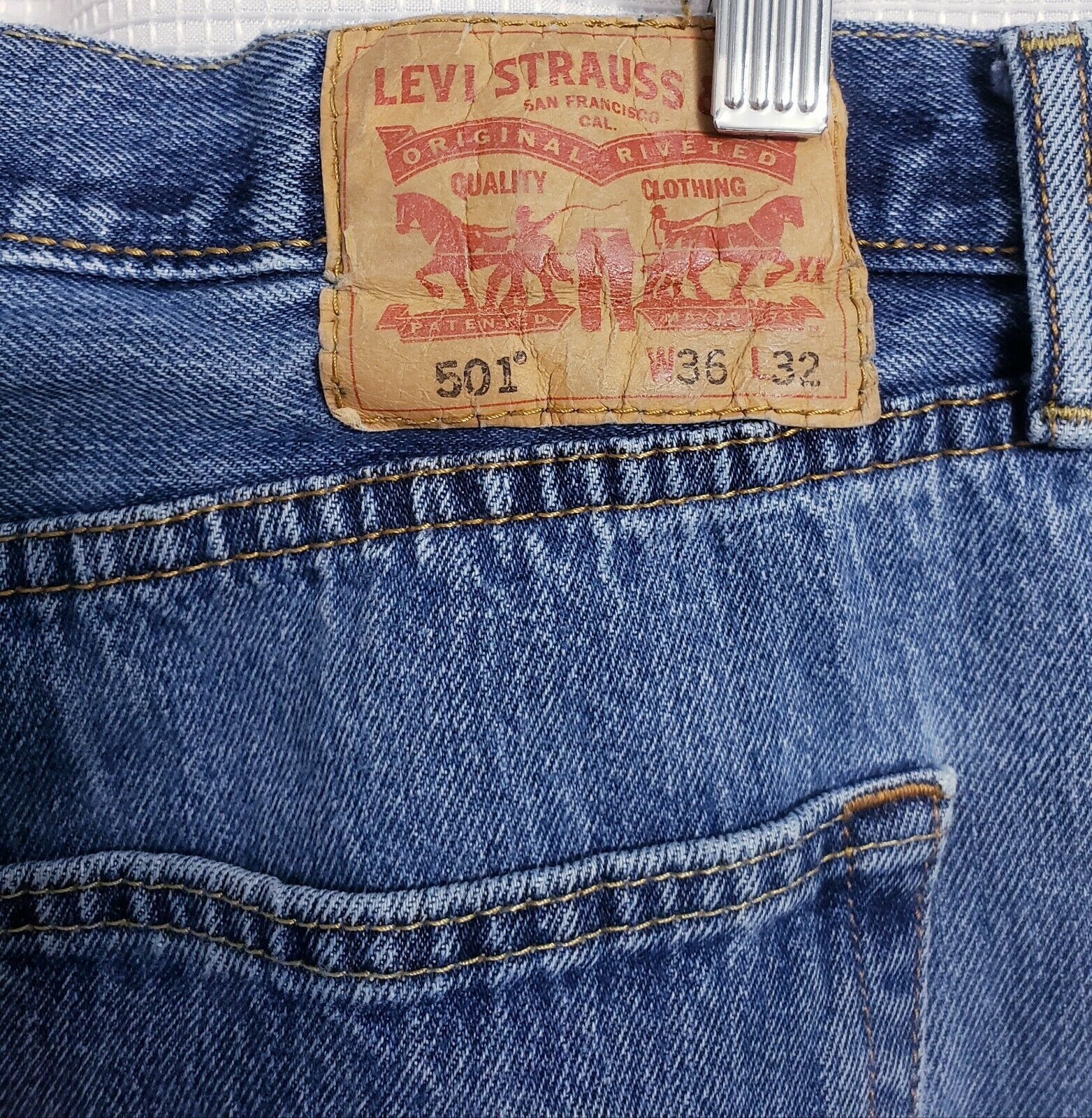 Levis 501 Original Fit Button Fly Distressed Jean… - image 7