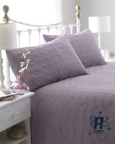 REVERSIBLE LEAF EMBOSSED QUILTED BEDSPREAD WITH 2 PILLOW CASES DOUBLE SIZE