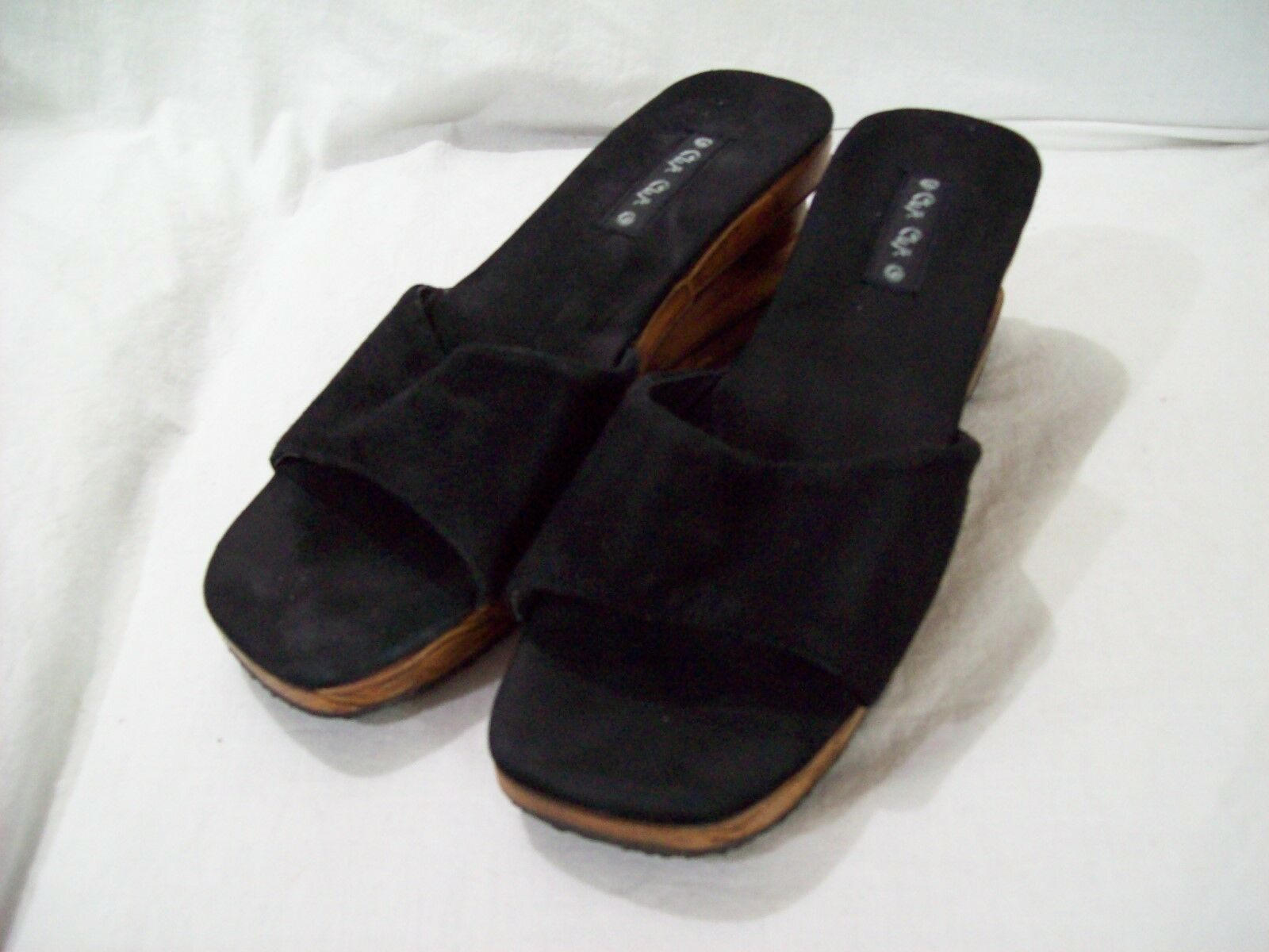CHA CHA Women's WOODEN Sandals Black Suede Carved Wooden Ball in Heel sz 6