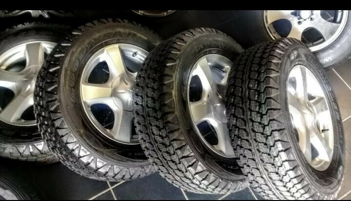 "17"" Isuzu mags with brand new 255/65/17 Goodyear Wrangler AT set for R9999."