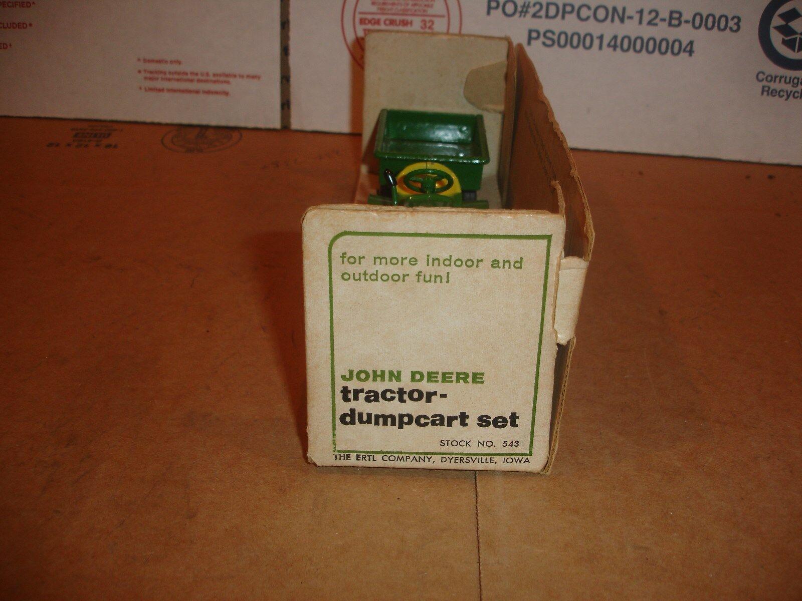 1 16 John Deere 110 with cart - in open box